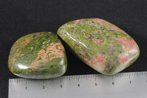 ユナカイト 原石 磨き